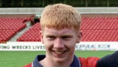 Manchester United Balls:Paul Scholes – 40 Years Old and Still Got Goals
